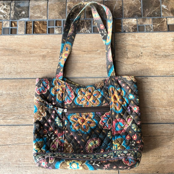 Handbags - CUTE FLORAL AND PAISLEY FABRIC QUILTED TOTE